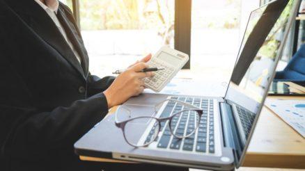 Dlaczego warto korzystać z porównywarek finansowych?